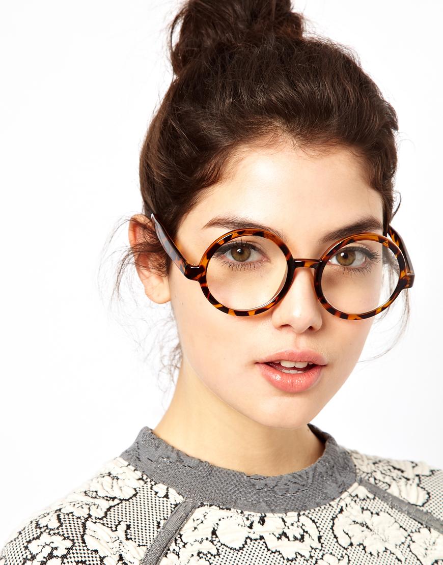 Colore occhiali e capelli