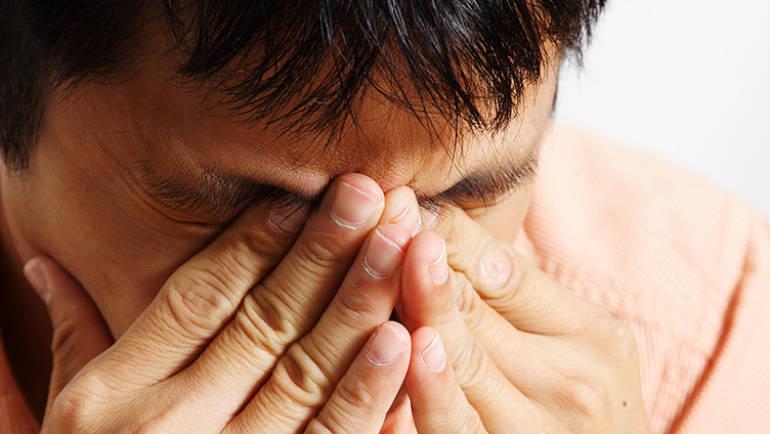 Lacrimazione, secchezza, prurito agli occhi: 15 segnali da non trascurare mai